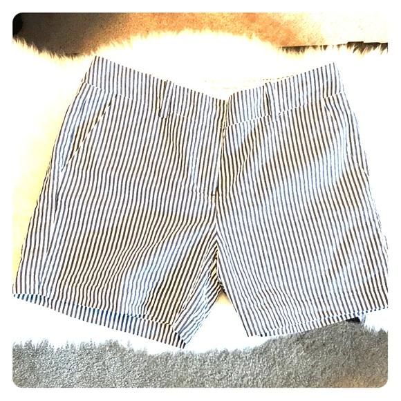 100% authentifié code promo correspondant en couleur Sandro size 8 chino shorts navy striped